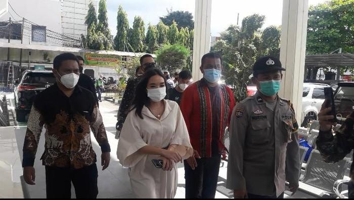 Gisel hadir sebagai saksi kasus penyebar video syur di PN Jaksel