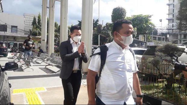 Michael Yukinobu Defretes alias Nobu hadir sebagai saksi dalam sidang penyebar video syur di PN Jaksel