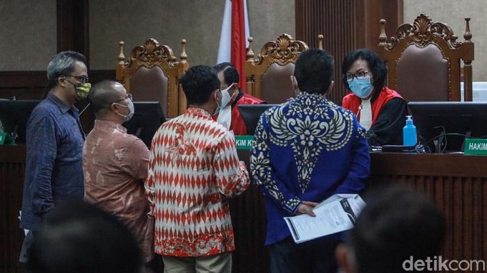 Marzuki Alie dkk mencabut gugatan terkait keputusan Ketum Partai Demokrat (PD) Agus Harimurti Yudhoyono (AHY) memecat mereka sebagai kader.