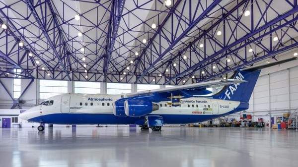 pesawat bae 146 airborne laboratory faam - Menengok Lab Terbang Terbesar dari Eropa yang Misinya Selamatkan Warga Dunia