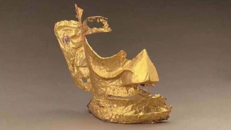 Topeng Emas Berusia 3.000 Tahun Jadi Meme di China