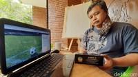 Aplikasi Bolasoft Indonesia dari Purwokerto buatan dosen Universitas Amikom Purwokerto, Trias Bratakusuma, untuk pembinaan di sekolah sepakbola