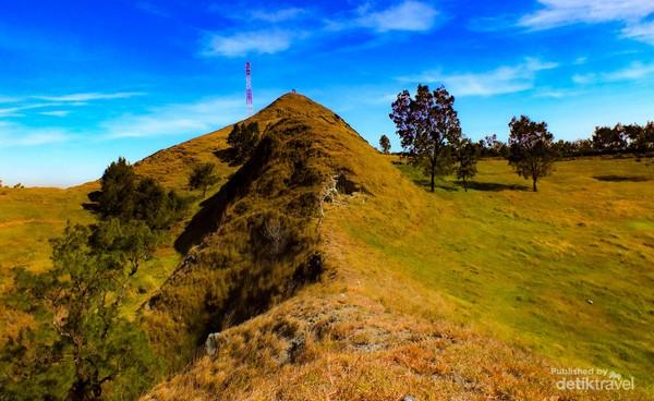 Bukit Bikium yang indah, cocok buat menambah koleksi fotomu.