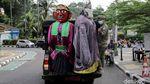 Foto: Satpol PP DKI Razia Ondel-ondel di Jakarta