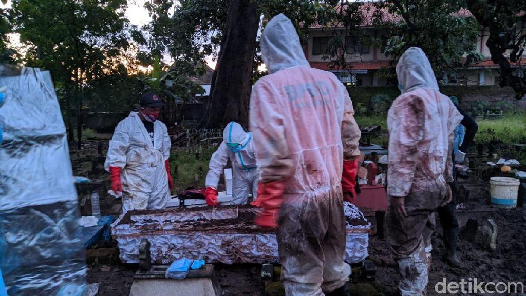 Jenazah Corona di Ponorogo Tertukar, Makam Pasien Dibongkar Lagi