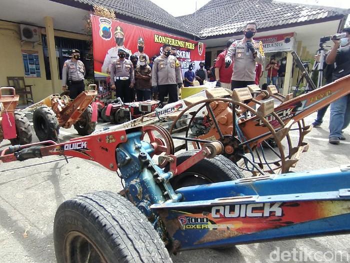 Jumpa pers kasus pencurian traktor di Kabupaten Rembang, Rabu (24/3/2021).