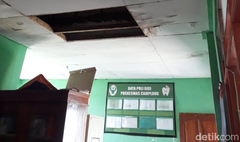 Kerusakan di Puskesmas Camplong, Kabupaten Kupang, NTT, 24 Maret 2021. (Arni Sulistiawati/detikcom)