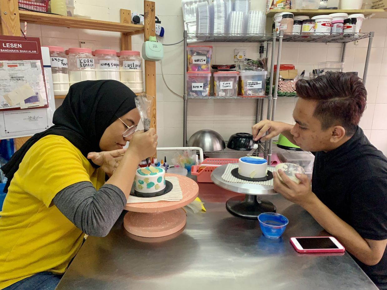 Kisah Sukses Nuraina Jalani Bisnis Lunch Box Cake Korea