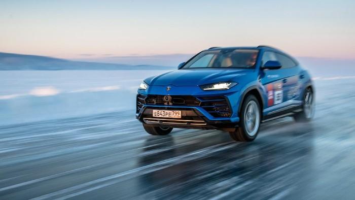 Lamborghini Urus Pecahkan Rekor Kecepatan di Atass ES