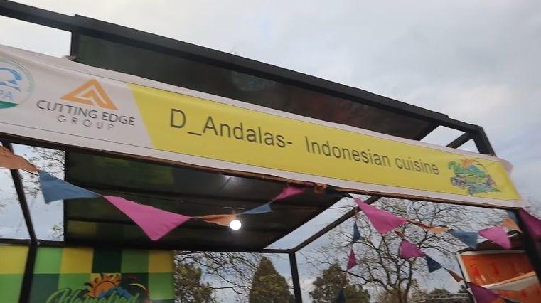 mahasiswa indonesia jualan sate hingga siomay di pakistan.