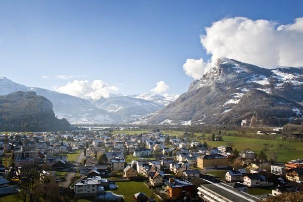 Wisatawan yang ingin liburan ke sini mau tak mau harus lewat Swis dan masuk ke Liechtenstein lewat jalur darat. (Getty Images)