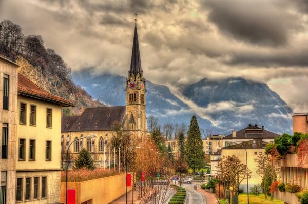 Sudah kaya, negara ini juga sangat aman. Bahkan, Liechtenstein tak punya angkatan militer.(Getty Images)