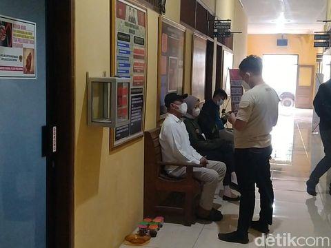 Oknum kades di Pekalongan dipolisikan seorang wanita dengan tuduhan penganiayaan, Rabu (24/3/2021).