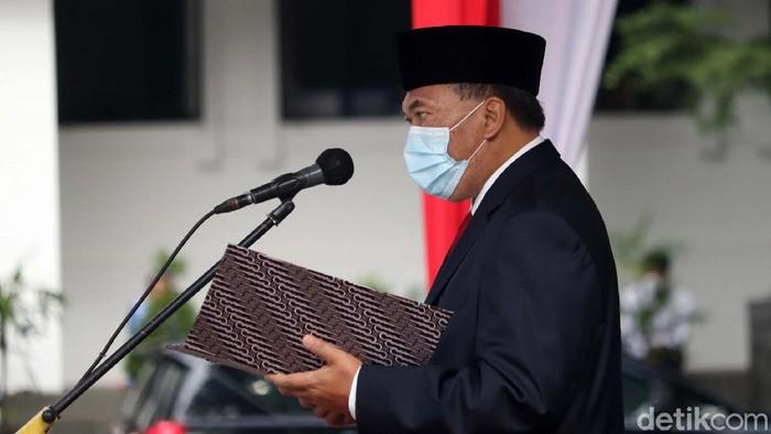 Upacara Peringatan 75 Tahun Peristiwa Bandung Lautan Api di Halaman Balai Kota Bandung, Rabu (24/3). Wali Kota Bandung Oded M Danial ajak warga lawan Corona.