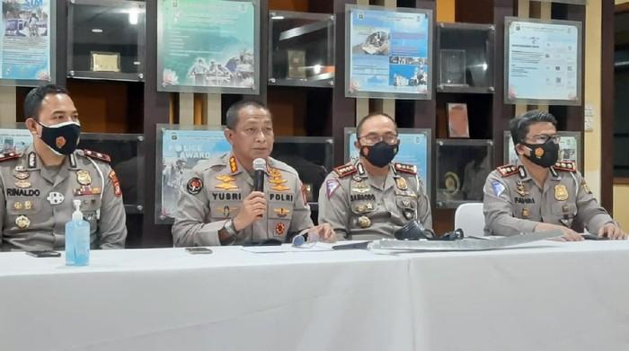 Polisi merilis kasus tabrak lari terhadap bocah 7 tahun di Kelapa Gading, Jakut.