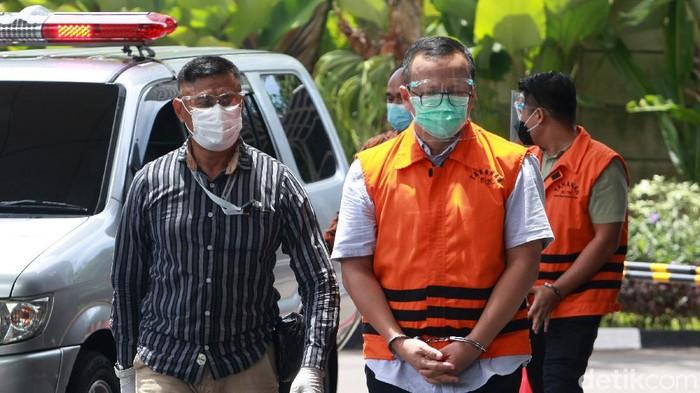 KPK periksa sejumlah tersangka dari berbagai kasus korupsi. Beberapa tersangka yang diperiksa hari ini yakni eks Menteri KKP Edhy Prabowo hingga Melia Boentaran
