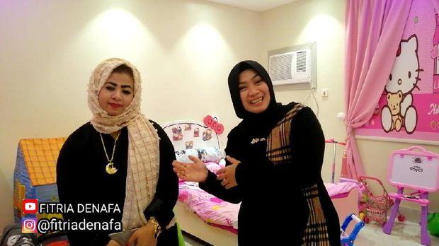 Fitria (kiri) dan Rama Rasa (kanan). Kisah wanita Madura yang menikah dengan bule Arab.