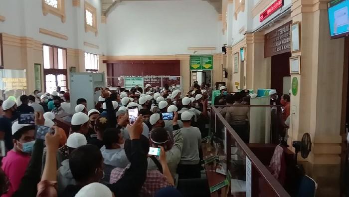 Suasana kericuhan di PN Medan (Ahmad Arfah-detikcom)