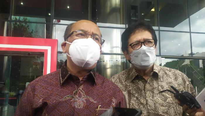 Susilo Aribowo (batik merah marun), di gedung KPK, Jaksel, Rabu (24/3/2021).