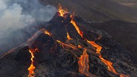 Gunung Berapi di Spanyol Meletus, 1.000 Orang Dievakuasi