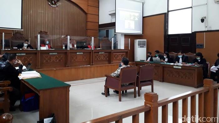 Ahli ITE bersaksi di sidang Jumhur Hidayat (Ilman/detikcom)