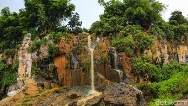 Dulunya, destinasi ini adalah bekas lokasi penambangan batu templek di Cimenyan, Kabupaten Bandung. Sekarang, malah jadi salah satu destinasi wisata hits bagi warga Bandung. (Muhammad Iqbal/detikTravel)