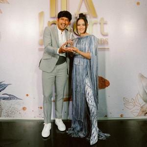 Adu Gaya 7 Artis Tampil Maksimal di Insert Fashion Award 2021
