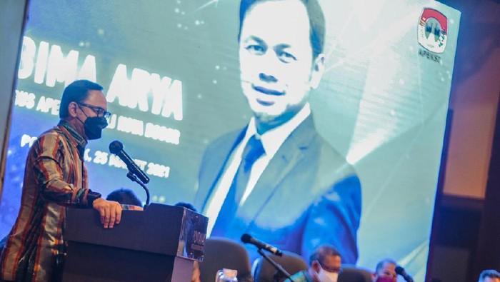 Ketua Dewan Pengurus Asosiasi Pemerintah Kota Seluruh Indonesia (Apeksi) Bima Arya menyoroti implementasi Sistem Informasi Pembangunan Daerah (SIPD) yang dinilai banyak memiliki persoalan di lapangan.