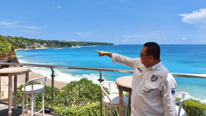 Ketua MPR RI sekaligus Ketua Umum Ikatan Motor Indonesia (IMI) Bambang Soesatyo (Bamsoet) meninjau lahan seluas delapan hektar di kawasan Pecatu, Bali