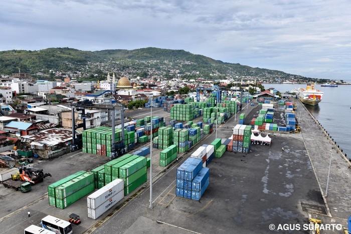 Pelabuhan Ambon Baru (Ambon New Port) akan segera dibangun untuk mendukung pengembangan Maluku menjadi lumbung ikan nasional.
