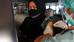 Rumah Sakit UI Layani Vaksinasi Drive Thru