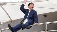 Teladan Unik Jackie Chan, Irit Air Toilet Sampai Botol Ditulis Nama