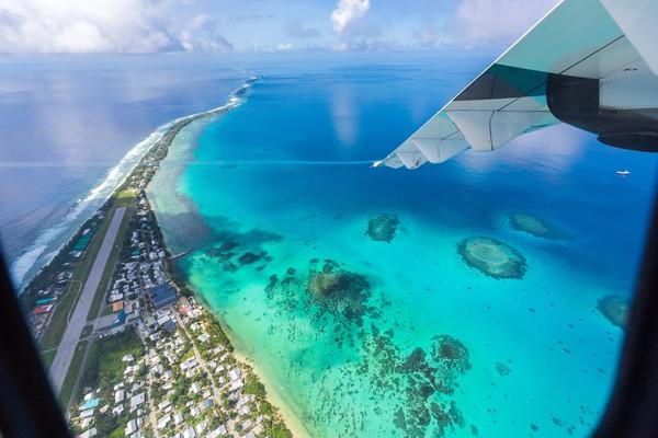 Tuvalu sangatlah indah, lihat saja laut biru yang dimilikinya. (Getty Images)