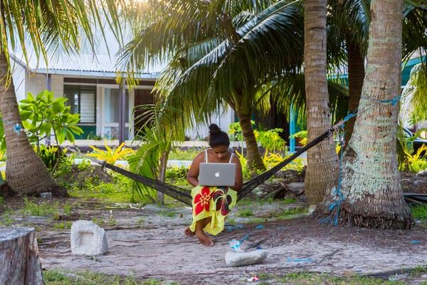 Karena ternyata Tuvalu jadi tajir karena punya server domain TV yang disewakan untuk seluruh dunia.(Getty Images)