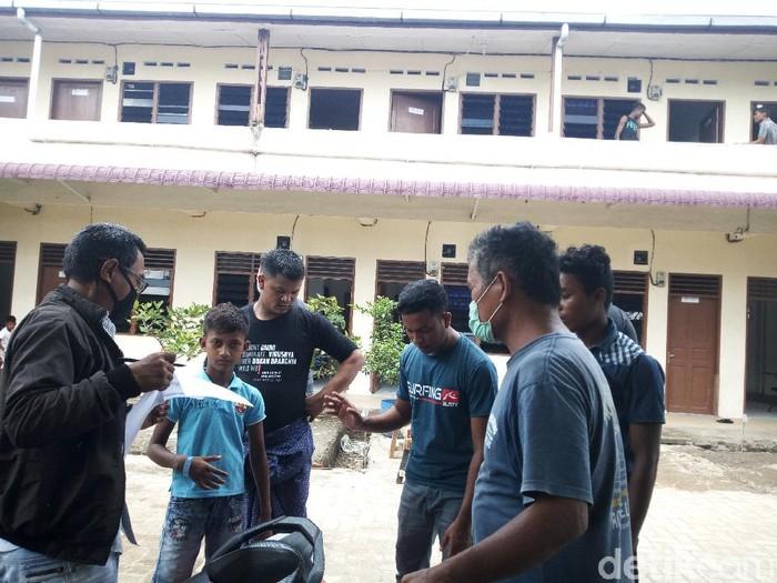 36 Imigran Rohingya di Aceh Dipindahkan ke Medan Sumut (Datuk Haris/detikcom)
