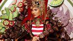 Penampilan Aurra Kharishma dengan Gaun Memukau