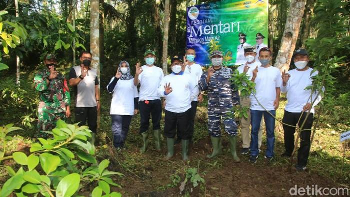 Festival Mentari di sumber mata air Kajar Wisata Jopuro, Desa Kampunganyar, Kecamatan Glagah, Jumat (26/3/2021).