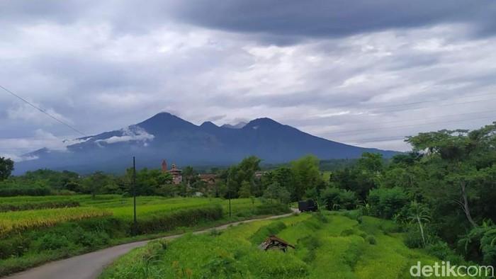Setelah berbulan-bulan tutup, pendakian Gunung Arjuno-Welirang kembali dibuka. Para pendaki sudah bisa naik gunung mulai besok.