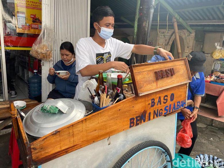 Jajan Baso Bening Si Abah yang Tersohor di Gang Aut Bogor