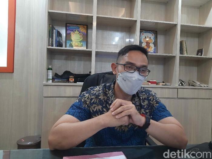 Kabag Humas Pemkot Surabaya Febriadhitya Prajatara