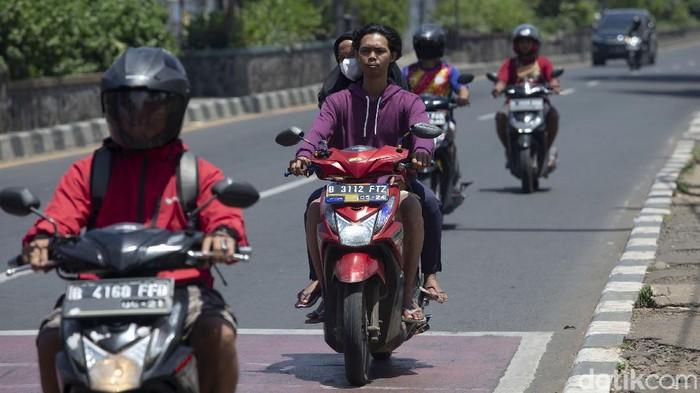 Kabupaten Bekasi anggarkan Rp 5 miliar untuk pelaksanaan tilang elektronik. Anggaran itu akan digunakan untuk pengadaan kamera dan fasilitas pendukung lainnya.