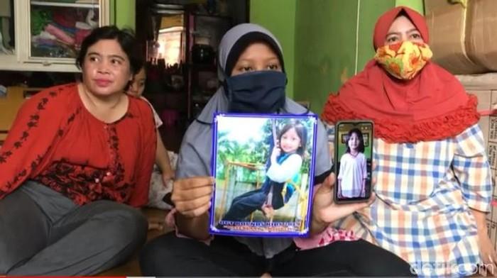 Nesa Alana Karaisa atau Ara merupakan bocah perempuan di Surabaya yang dikabarkan hilang. Bocah berusia 7 tahun itu hilang sejak Selasa (23/3).