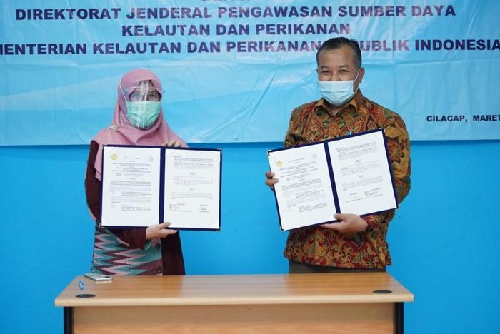 Kementerian Kelautan dan Perikanan (KKP) menggandeng Universitas Jenderal Soedirman (Unsoed) untuk memperkuat pemberantasan Illegal, Unreported, and Unregulated (IUU) Fishing.