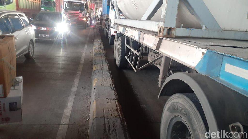 Kecelakaan Masih Terjadi, Peninggian Pembatas Jl Cilincing Dinanti