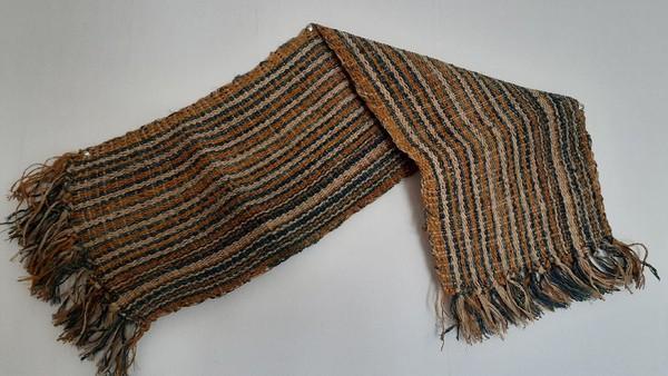 Inilah kain Tenun Terfo, kain tenun asli Papua. Kain tenun ini dibuat oleh Suku Sobey yang tinggal di Kampung Sawar, Distrik Sarmi, Kabupaten Sarmi, Papua. (Hari Suroto/Istimewa)