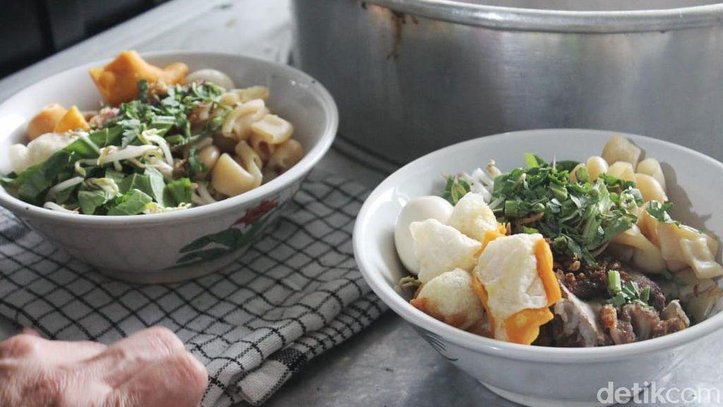 Kuliner Bogor Buat Pencinta Pedas, Bakso Rawit Boa Edan yang Nampol!