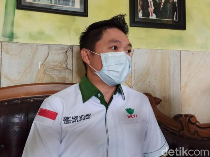 Himpunan Kerukunan Tani Indonesia (HKTI) meminta operasi pasar beras murah di Banyuwangi tidak menggunakan 3.000 ton beras Vietnam sisa impor 2018. Mengingat, jutaan kilogram beras tersebut telah berusia 3 tahun. Sementara produksi panen padi di Banyuwangi tahun ini diprediksi meningkat 22,8 persen.