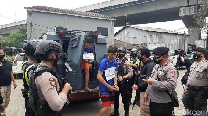 Polisi Tangkap 6 Pria Anggota Ormas di Bogor