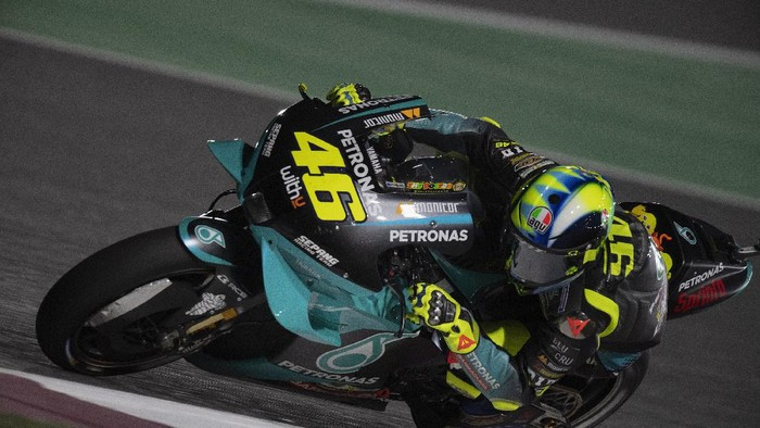 DOHA, QATAR - MARCH 26: Valentino Rossi of Italy and Petronas Yamaha SRT rounds the bend during the MotoGP of Qatar - Free Practice at Losail Circuit on March 26, 2021 in Doha, Qatar. (Photo by Mirco Lazzari gp/Getty Images)