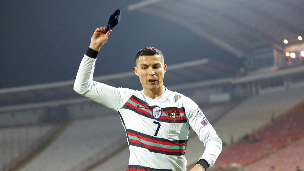 Wasit yang Tak Sahkan Gol Cristiano Ronaldo Minta Maaf!
